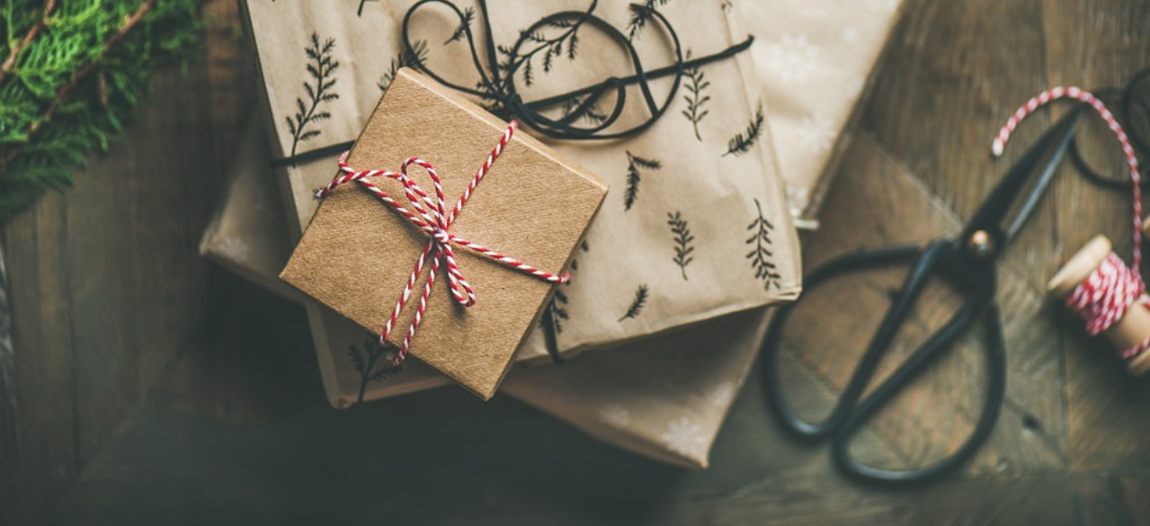 websites for Christmas presents