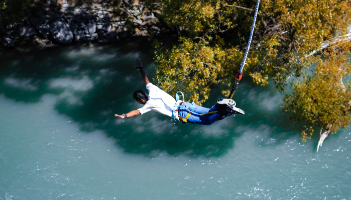 Bungee jumping extreme