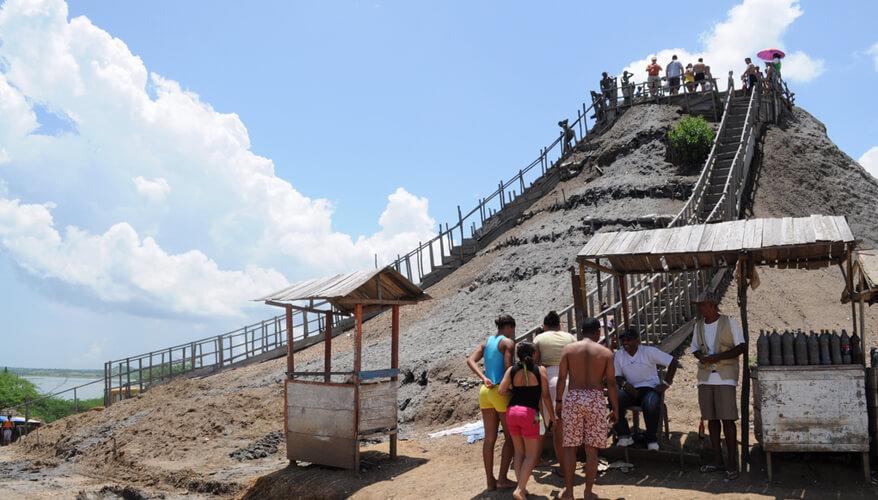 In Volcan de Lodo EL Totumo